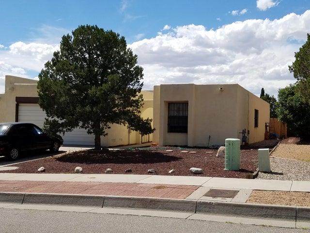 5527 Amistad Road NE, Albuquerque, NM 87111