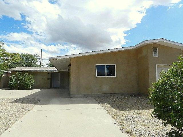 1132 Glorieta Street NE, Albuquerque, NM 87112