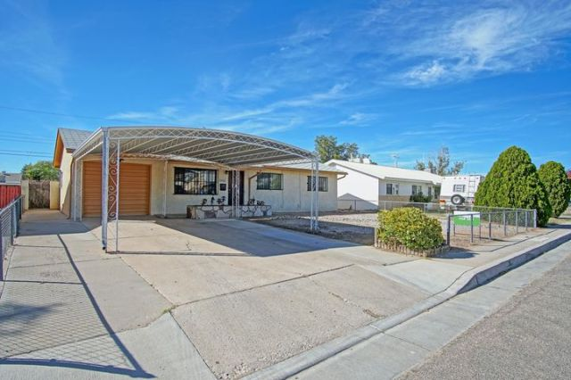 309 Glorieta Street NE, Albuquerque, NM 87123