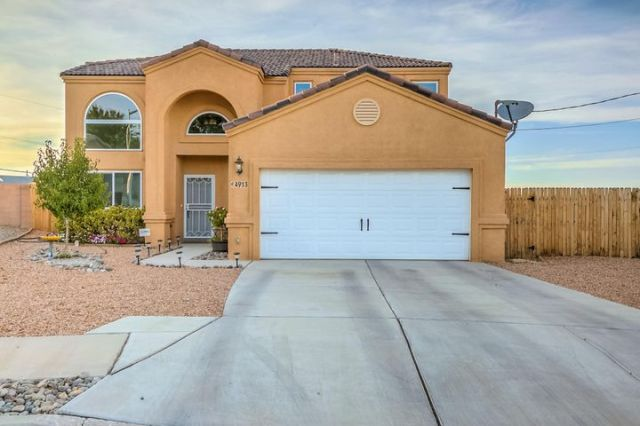 4913 Dover Place NW, Albuquerque, NM 87114