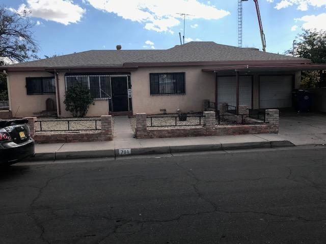 701 Dakota Street SE, Albuquerque, NM 87108