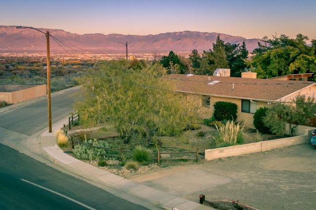 716 Palisades Drive NW, Albuquerque, NM 87105