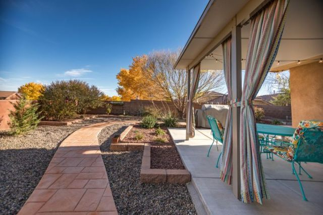 1040 Pacaya Drive NW, Albuquerque, NM 87120