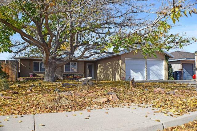 2409 Zena Lona Street NE, Albuquerque, NM 87112