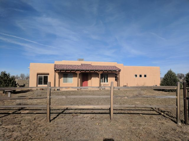 10 Frontier Court, Moriarty, NM 87035