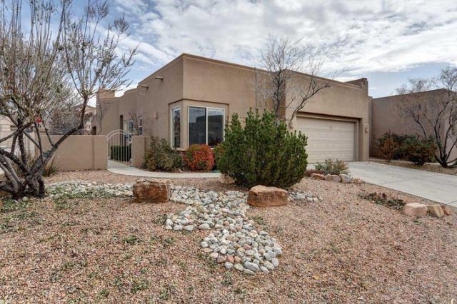 8936 Desert Fox Way NE, Albuquerque, NM 87122