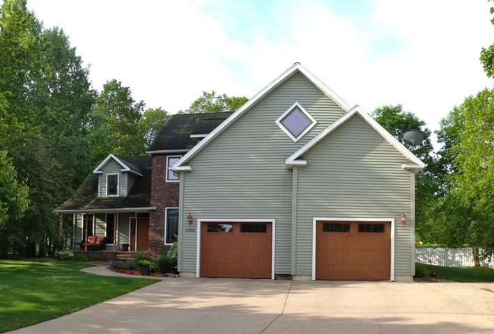 1069 HIGHWOOD Cir., Detroit Lakes, MN 56501