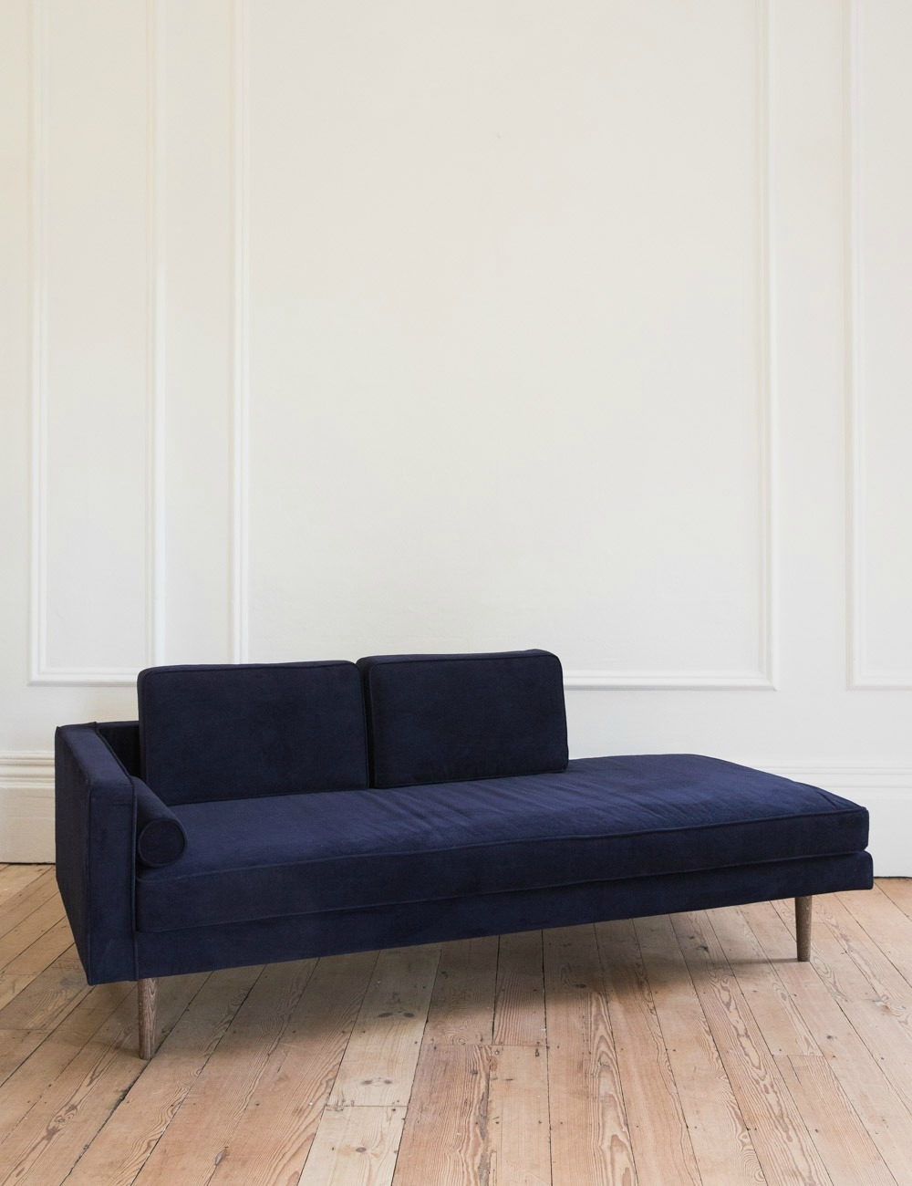 Chaise Longue Nordic Velvet Chaise Longue Available In Five Colours