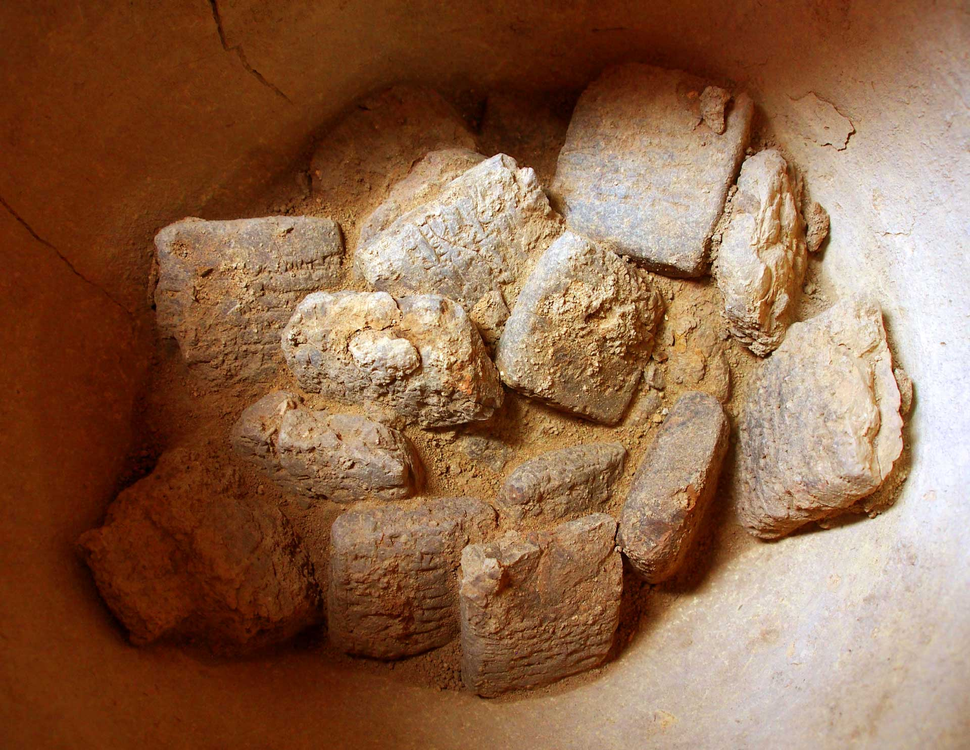 Real Tübingen Archaeologists Find Cache Of Assyrian Cuneiform Tablets In