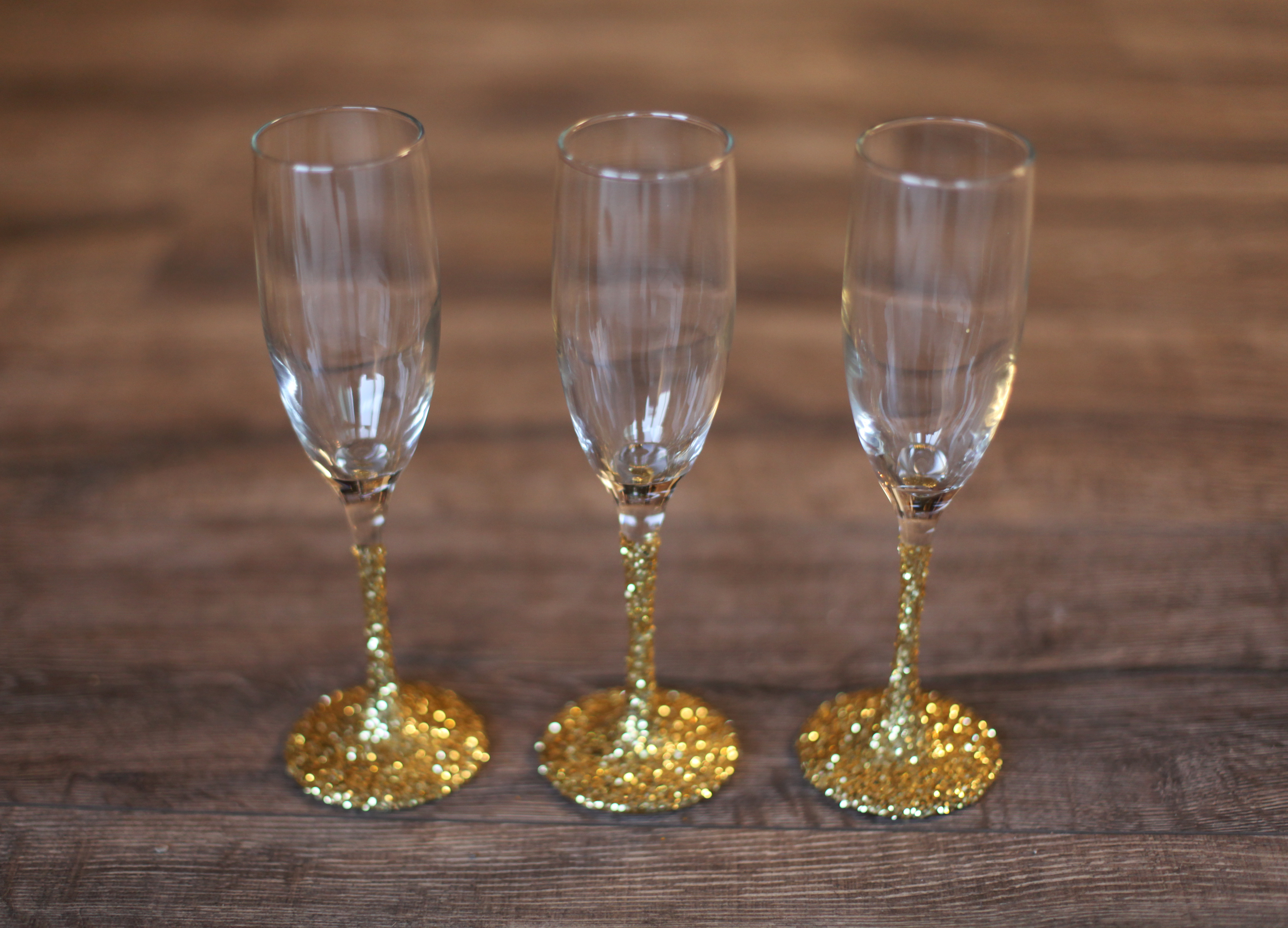 Diy Wedding Champagne Glasses Ideas Throw A Tree Decorating Party