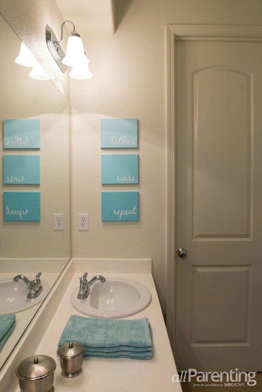 DIY: Bathroom canvas art
