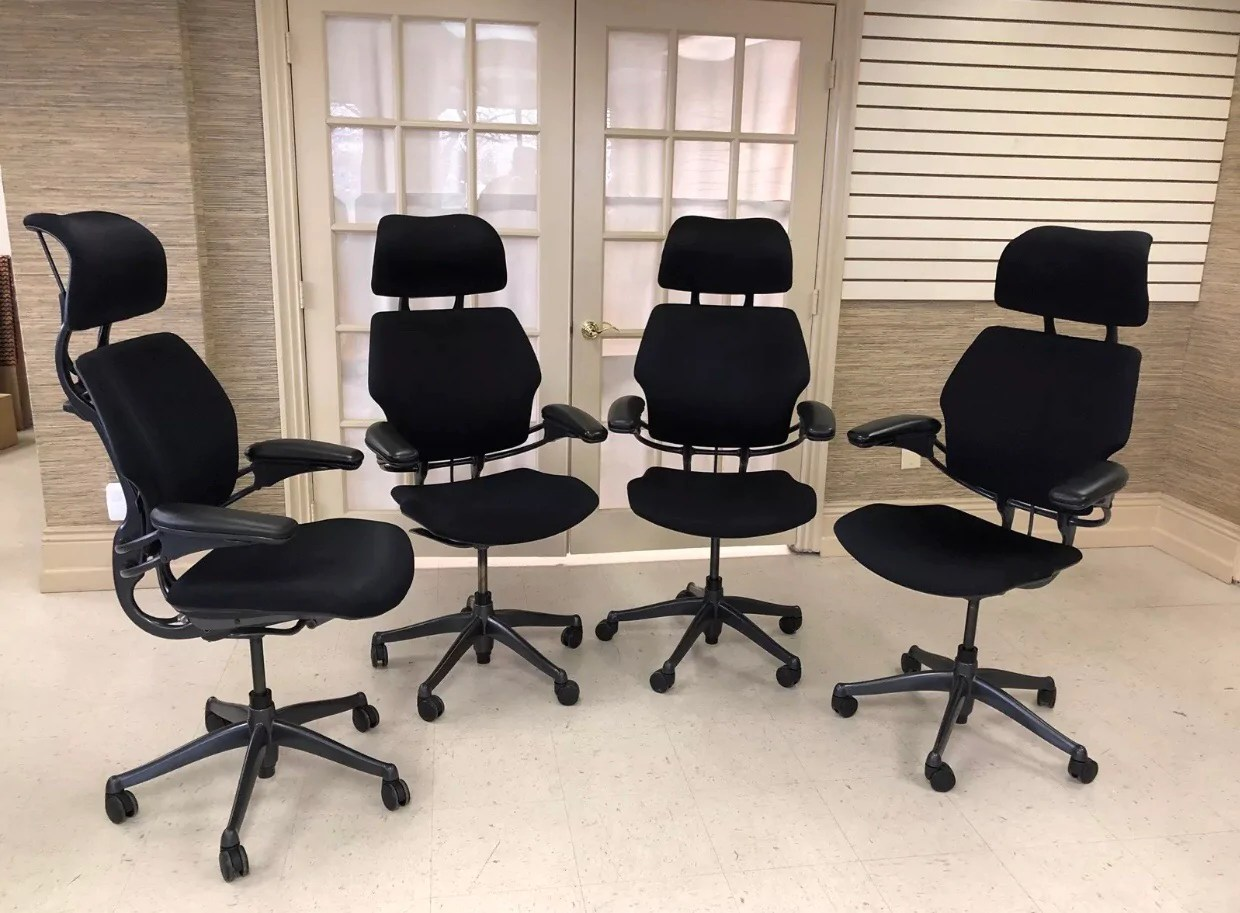 Freedom Furniture Head Office Pre Owned Humanscale Freedom Chair In Black With Headrest Very