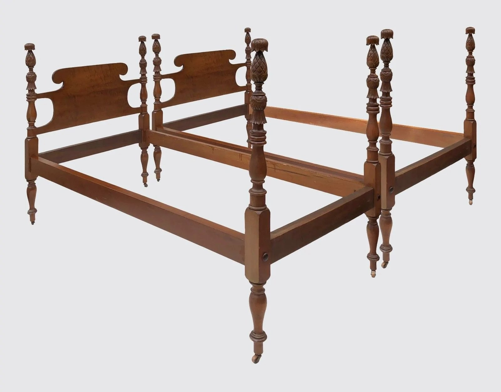 Fine Pair Of Tiger Maple Pineapple Carved Twin Beds By Israel Sacks Fu Bay Colony Antiques