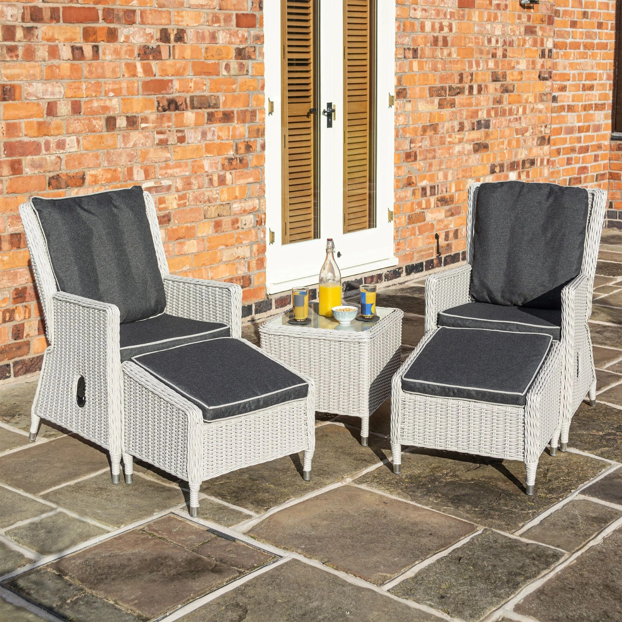 Heritage Conservatory Recliners Set Of 2 Garden Furniture And Garden Building Specialists Heritage Gardens