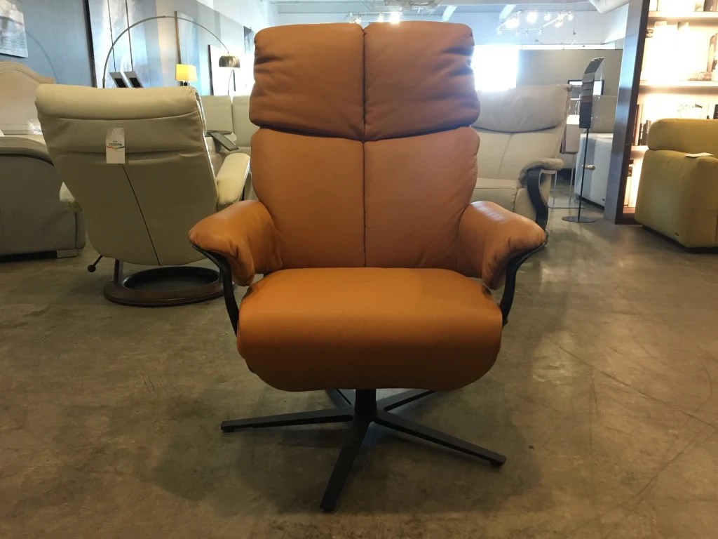 Divani Recliner Manuale Africa Manual Recliner Swivel Chair In Full Grain Leather