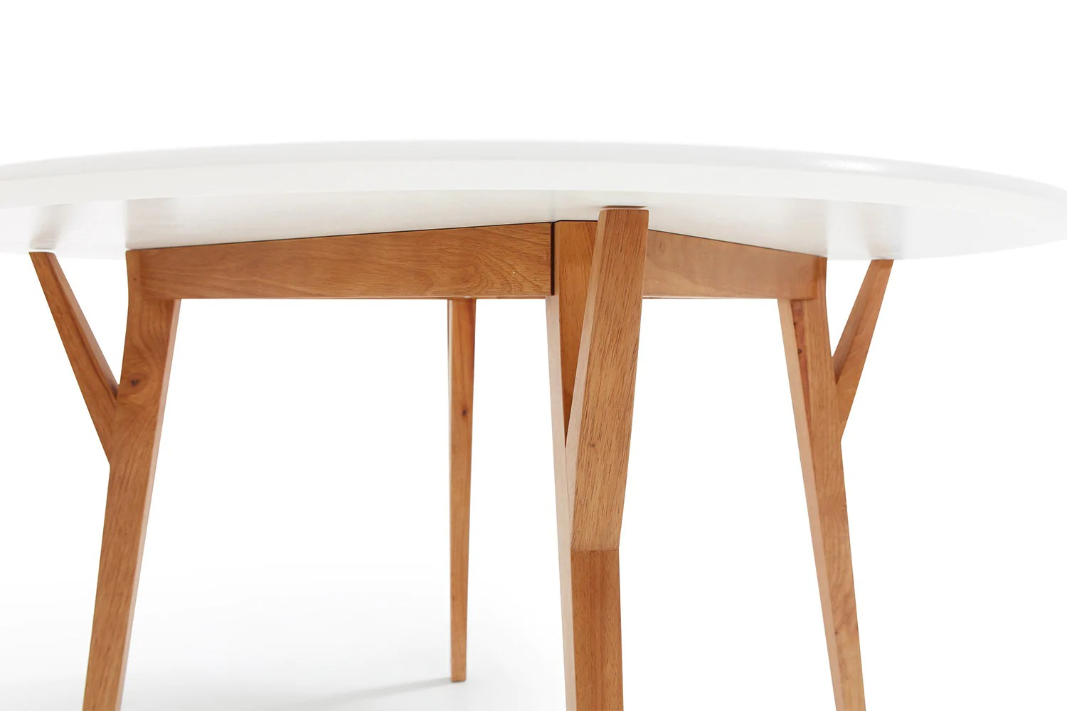 Table Arrondie Table De Salle à Manger Ronde Design Scandinave Moesa Dewarens
