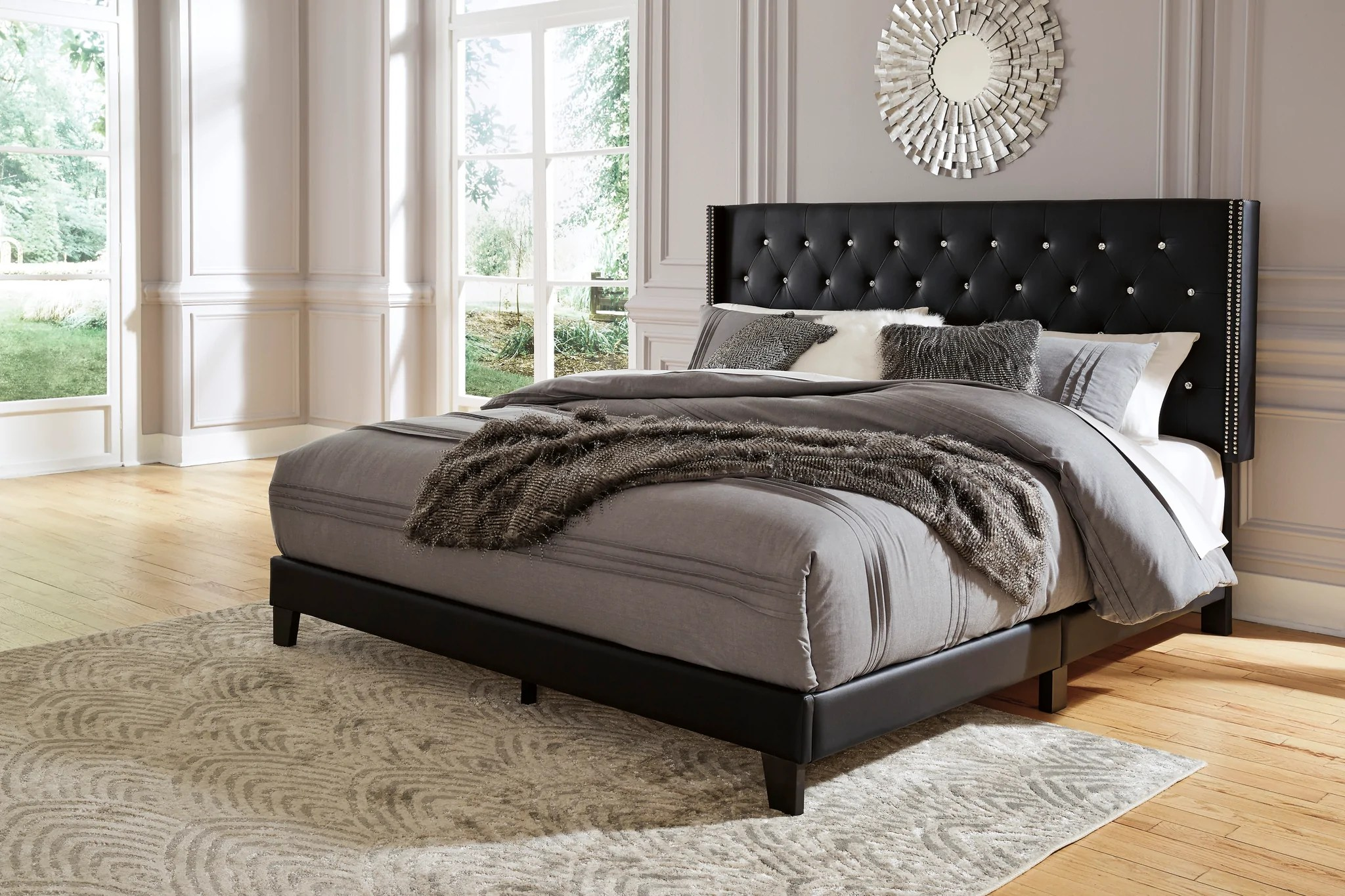 Vintasso 3 Piece Queen Upholstered Bed B089 081 Signature Design B Super Deal Furniture Gallery