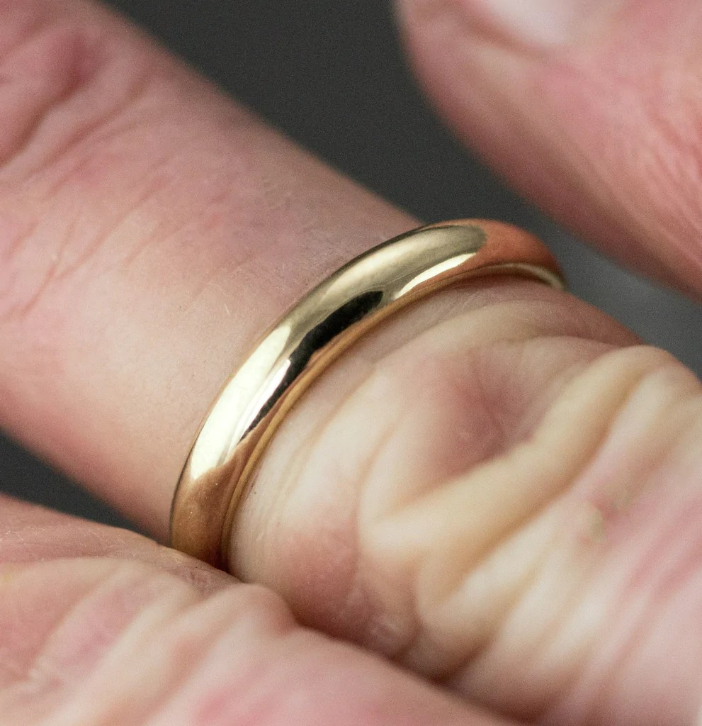 18k gold wedding band 5mm yellow gold classic half dome wedding ring 18k gold wedding bands 18k Gold Wedding Band 5mm Yellow Gold Classic Half Dome Wedding Ring