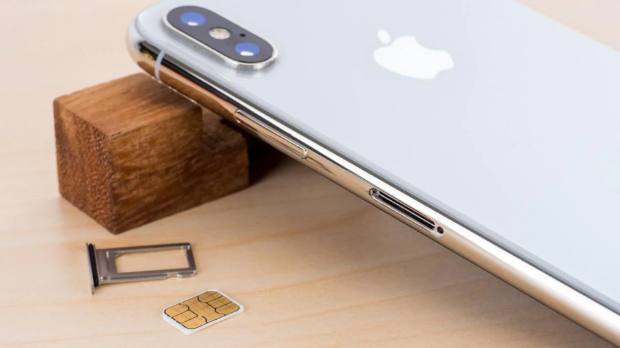 Apple has turned to eSIM to add connectivity and the dual SIM support for the new iPhone XS and XS Max. The new iPhones come with a special edition for the ...