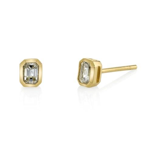 Medium Of Emerald Cut Diamond