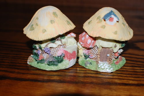Button Bears Collection 2 Mice In A Gnome Mushroom House Hinged To Open Hand