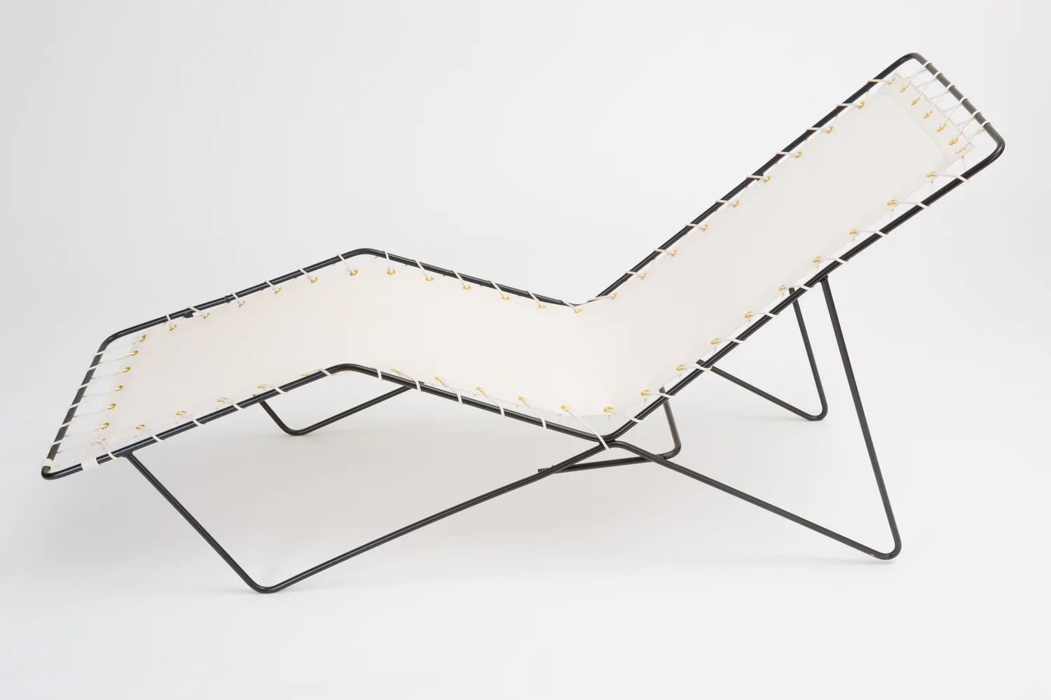 Chaiselongue Modern Modern Patio Chaise Lounge With Canvas Cover And Wire Frame
