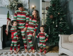 Small Of Christmas Family Pictures