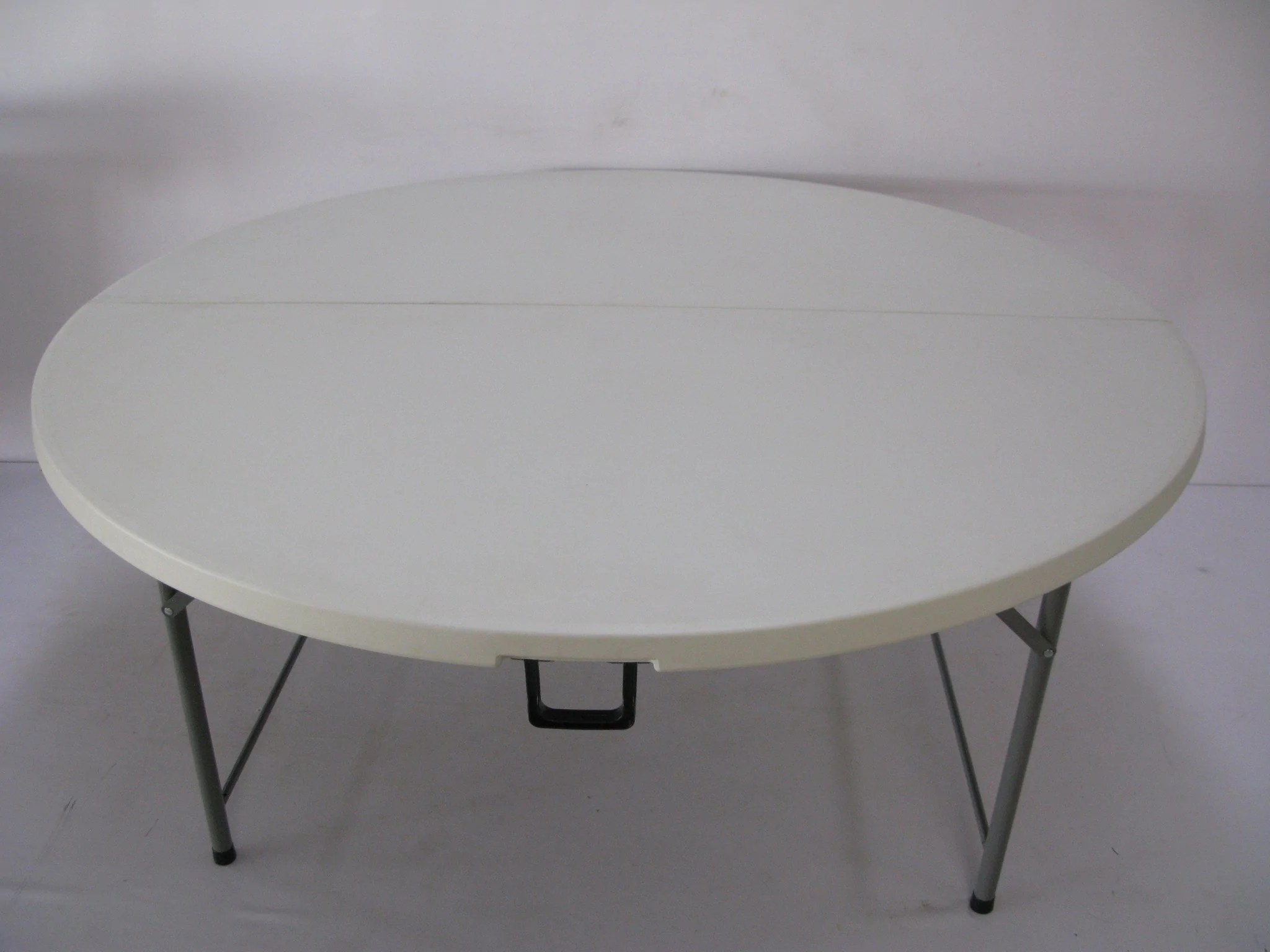 Round Plastic Tables Rou004 Fold In Half Round Plastic Tables 1500mm Seats 8 10 People