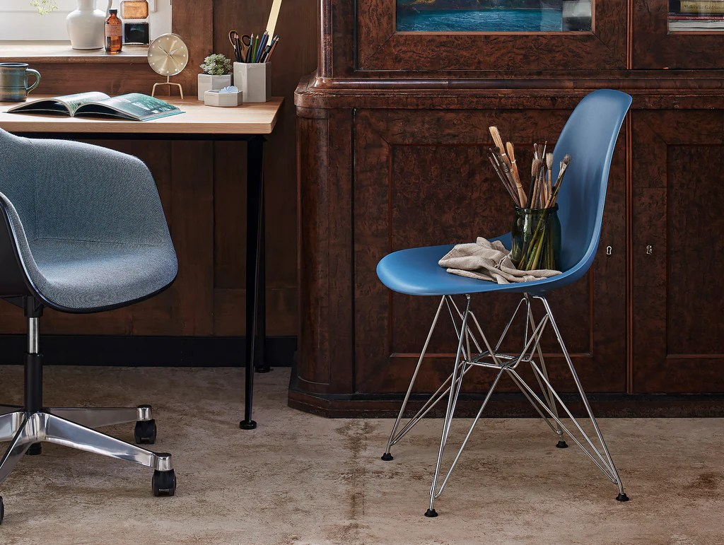 Chair Eames Eames Dsr Plastic Side Chair By Vitra · Really Well Made