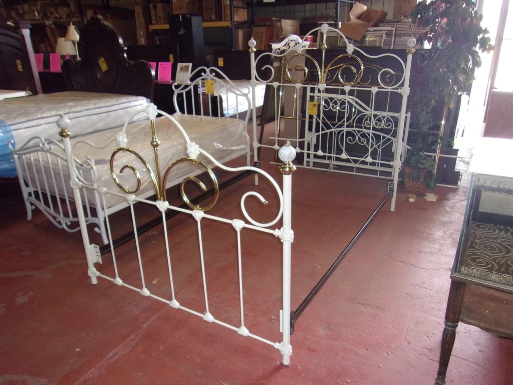 Full Double Bed White Wrought Iron Full Double Bed 20933
