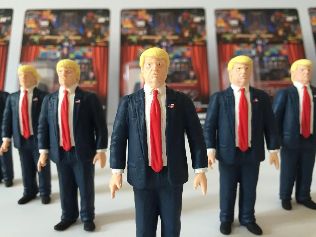 "Designervinyl ""the Donald Trump Show"" 3 3/4 Inch Action Figure – Timebandits"