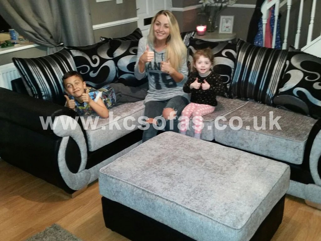 Settee Yorkshire Kc Sofas Settees In Yorkshire