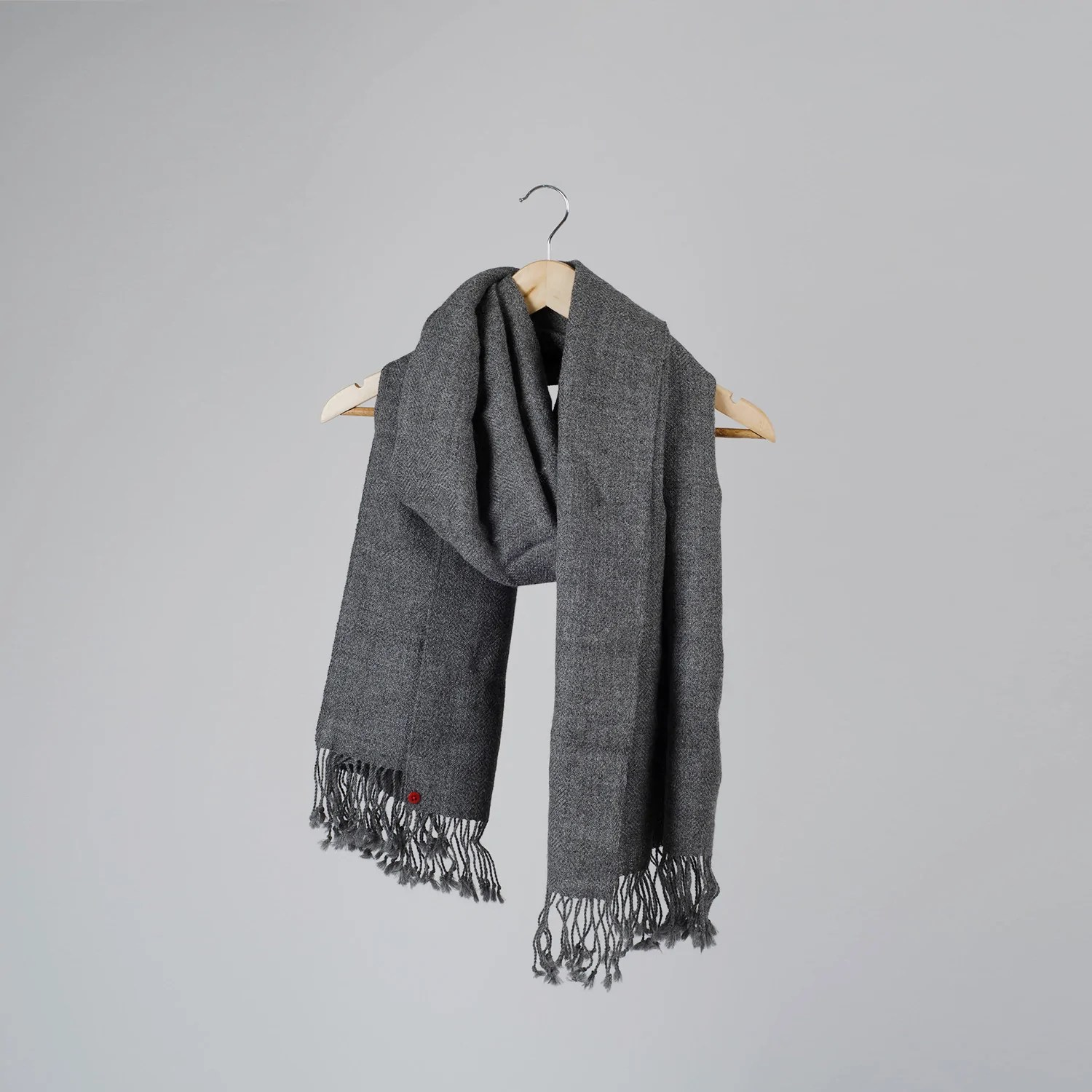 Plaid Tres Chaud The Perfect Scarf