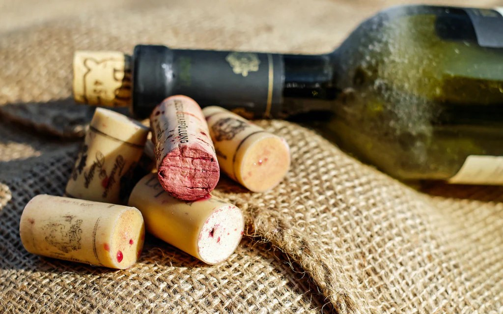 Save Your Wine Corks! 7 Clever Crafts Ideas For Wine Cork Uses   Neat