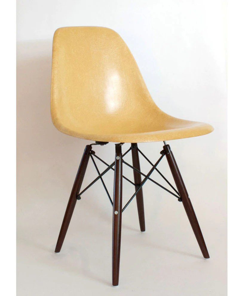 Eames Chair Beige Vintage Eames Shell Chair By Herman Miller