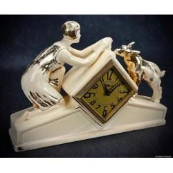 Small Crop Of Art Deco Clock