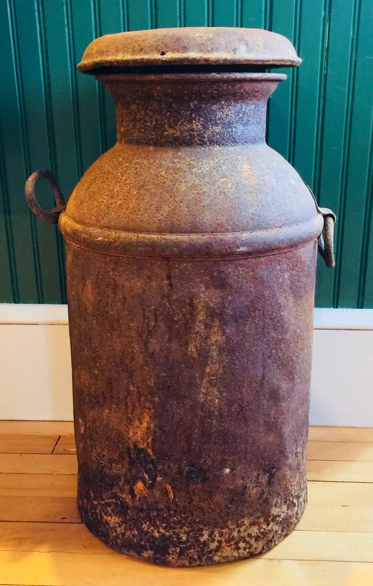 Decorative Milk Urn Antique Weathered Milk Can With Lid 10 Gallons
