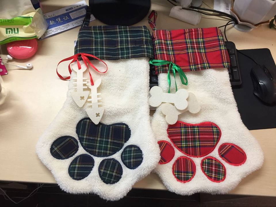 Wholesale Western Jewelry Supplies Dog And Cat Paw Stocking – Pretty Lil Things Wholesale