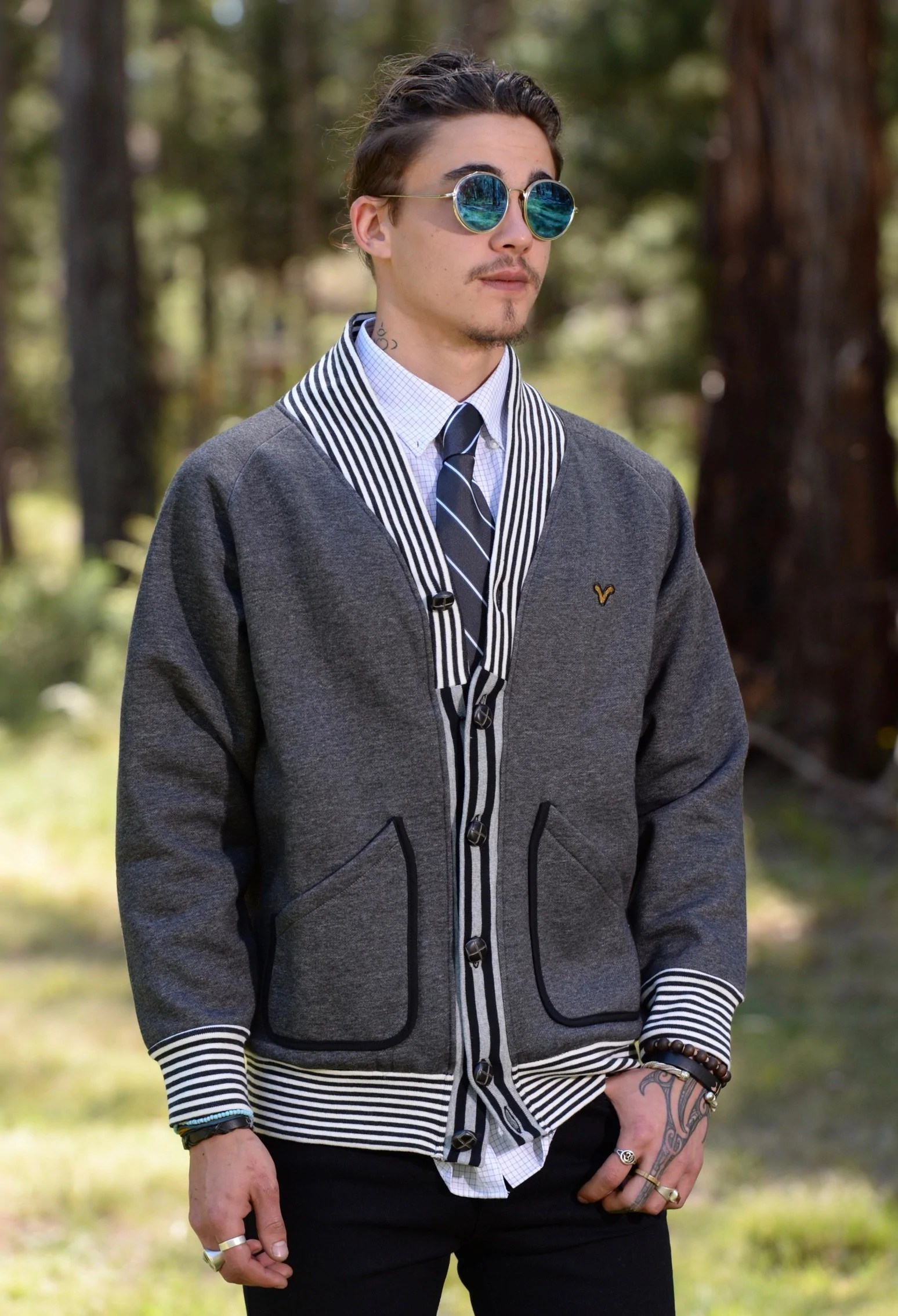 Vintage Look Men's Vintage Style Cardigan With Stripes