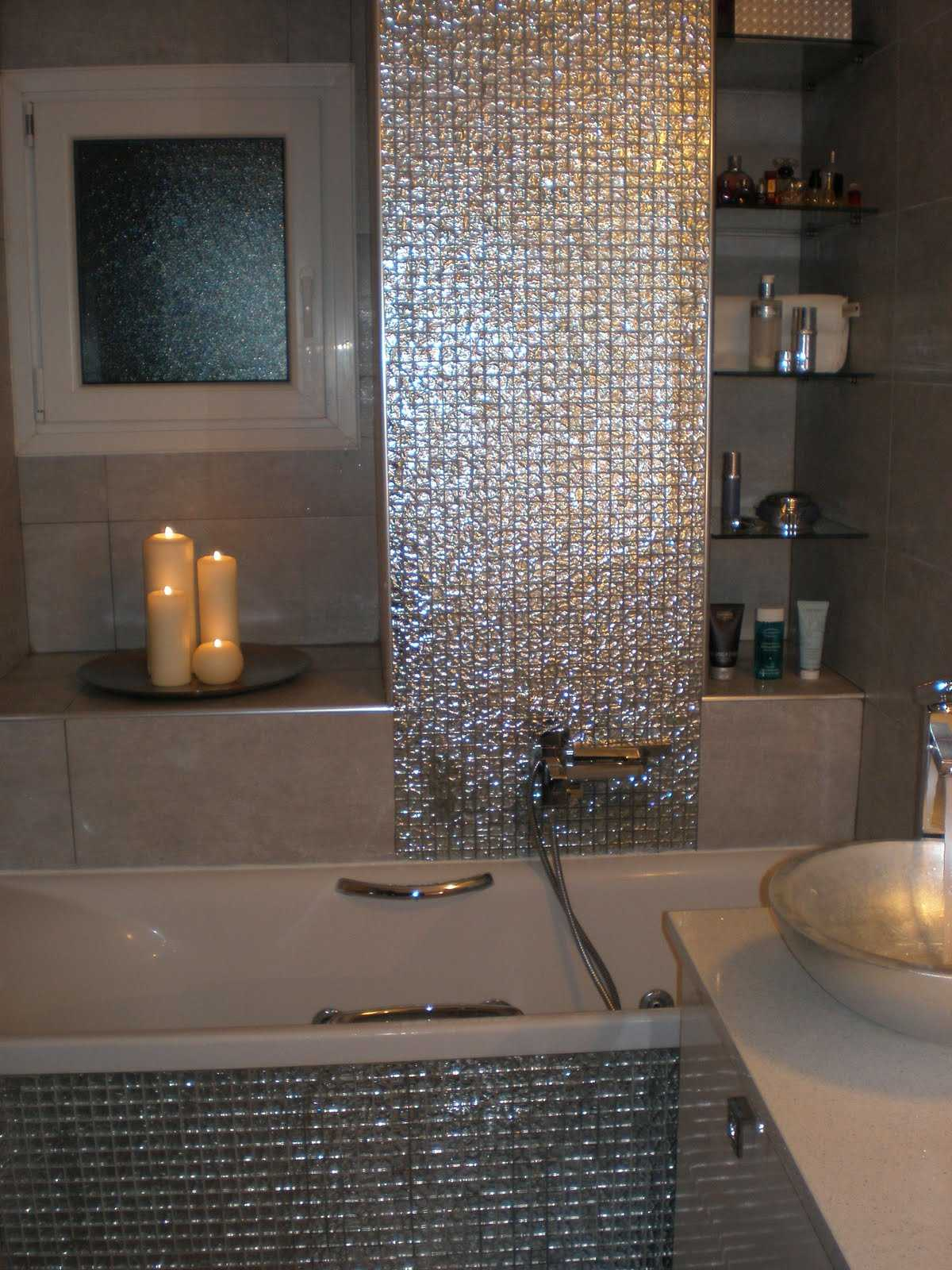 Silver Glitter Sparkling Square Mosaic Bathroom Wall Tiles Grand Taps