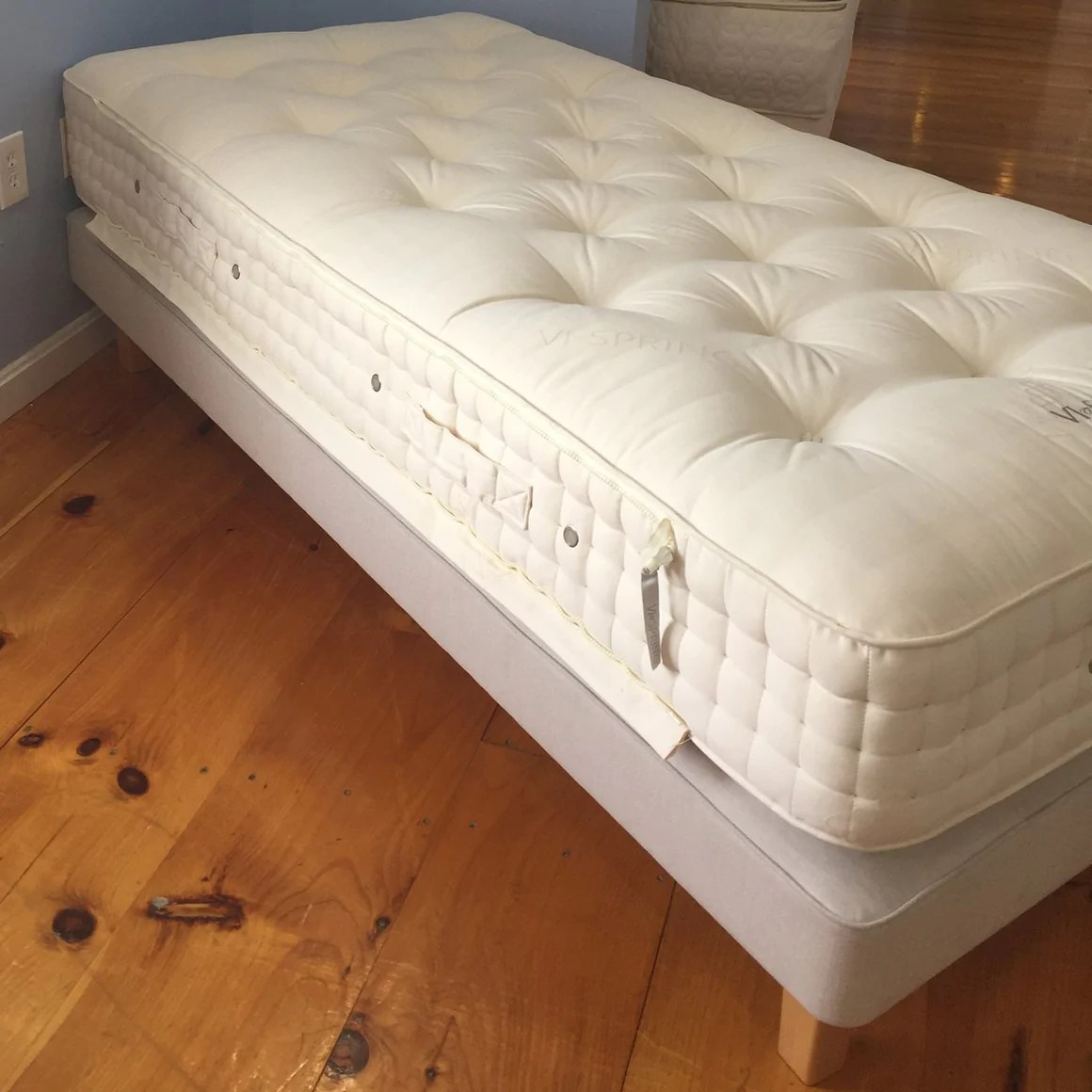 Vi Mattress Vispring Classic Twin Xl Floor Model