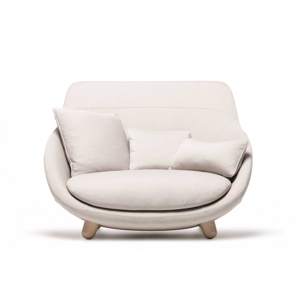 Sofa Liquidation Montreal Moooi Love Sofa Lumigroup Architectural Lighting And Controls