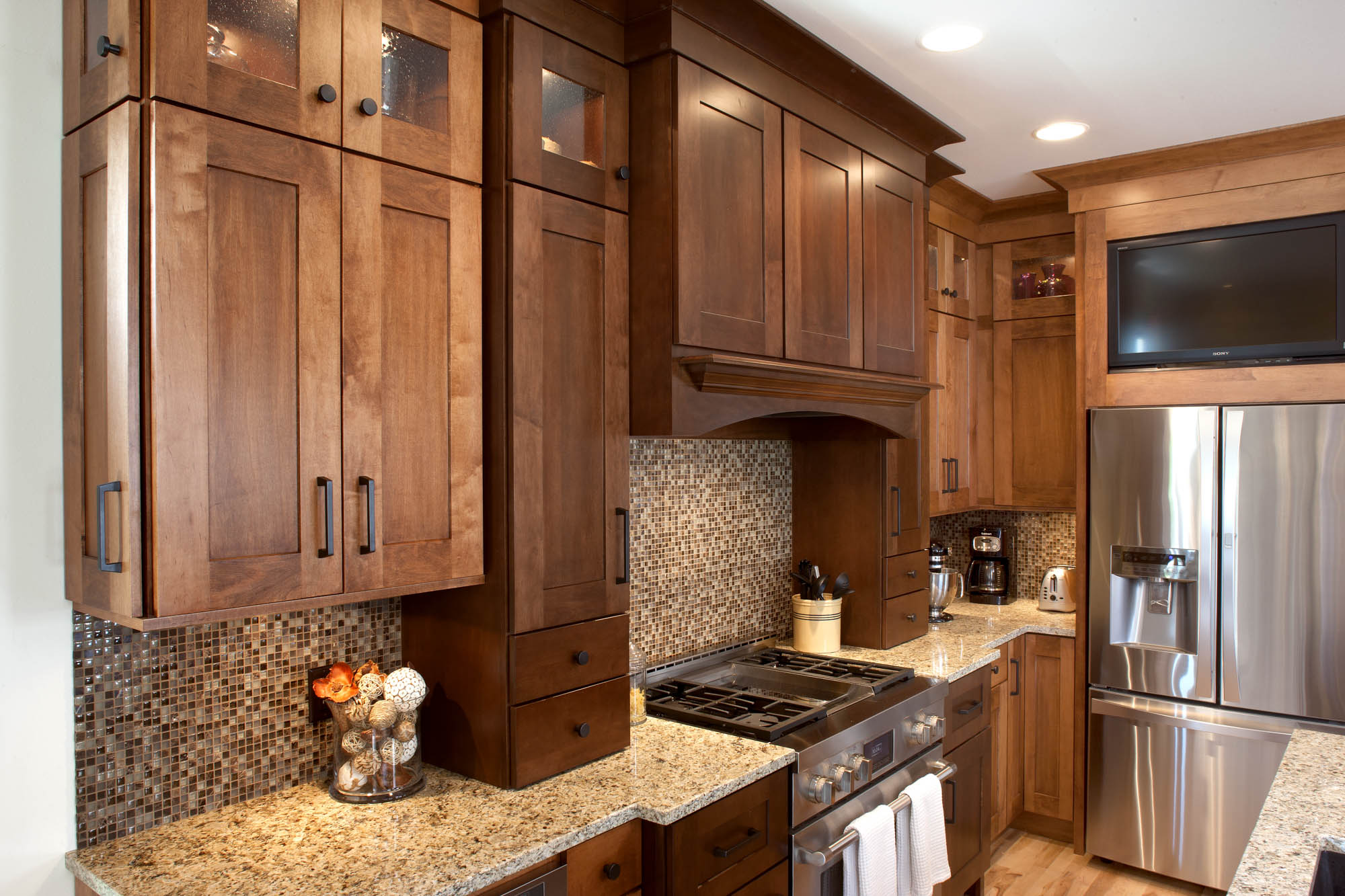 Showplace Kitchen Cabinets See This Professional Baker 39s Kitchen Showplace Cabinetry