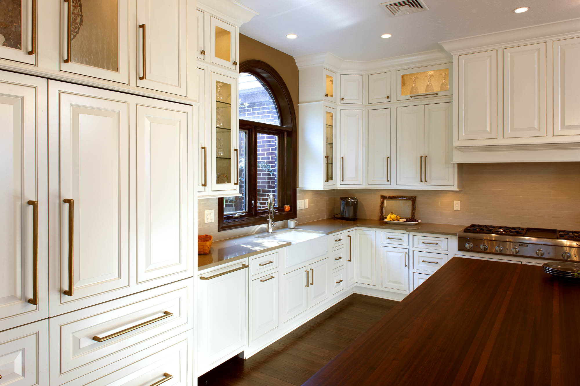 Showplace Kitchen Cabinets See This Kitchen 39s Distinctive Island Showplace Cabinetry