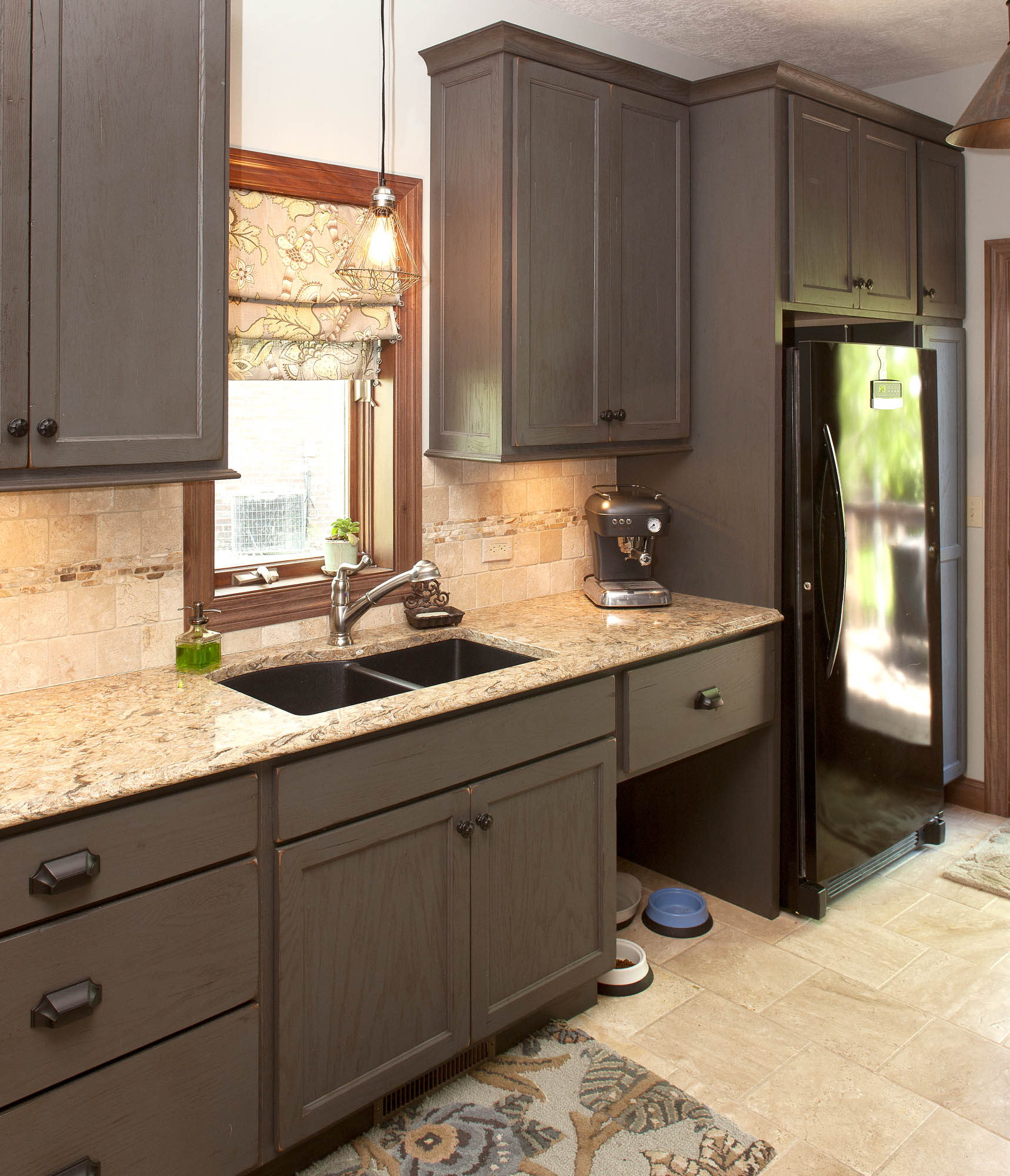 Showplace Kitchen Cabinets View The Accents In This Kitchen Remodel Showplace Cabinetry