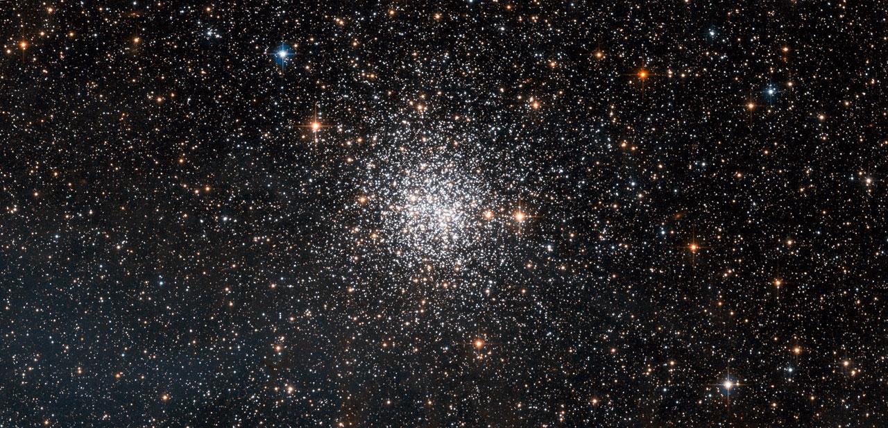 Black Galaxy Wallpaper Hd Ngc 1872 Open Or Globular Cluster Esa Hubble