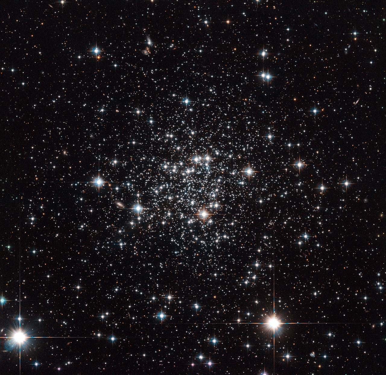 Black Silver Glitter Wallpaper It Came From Outer Space Esa Hubble