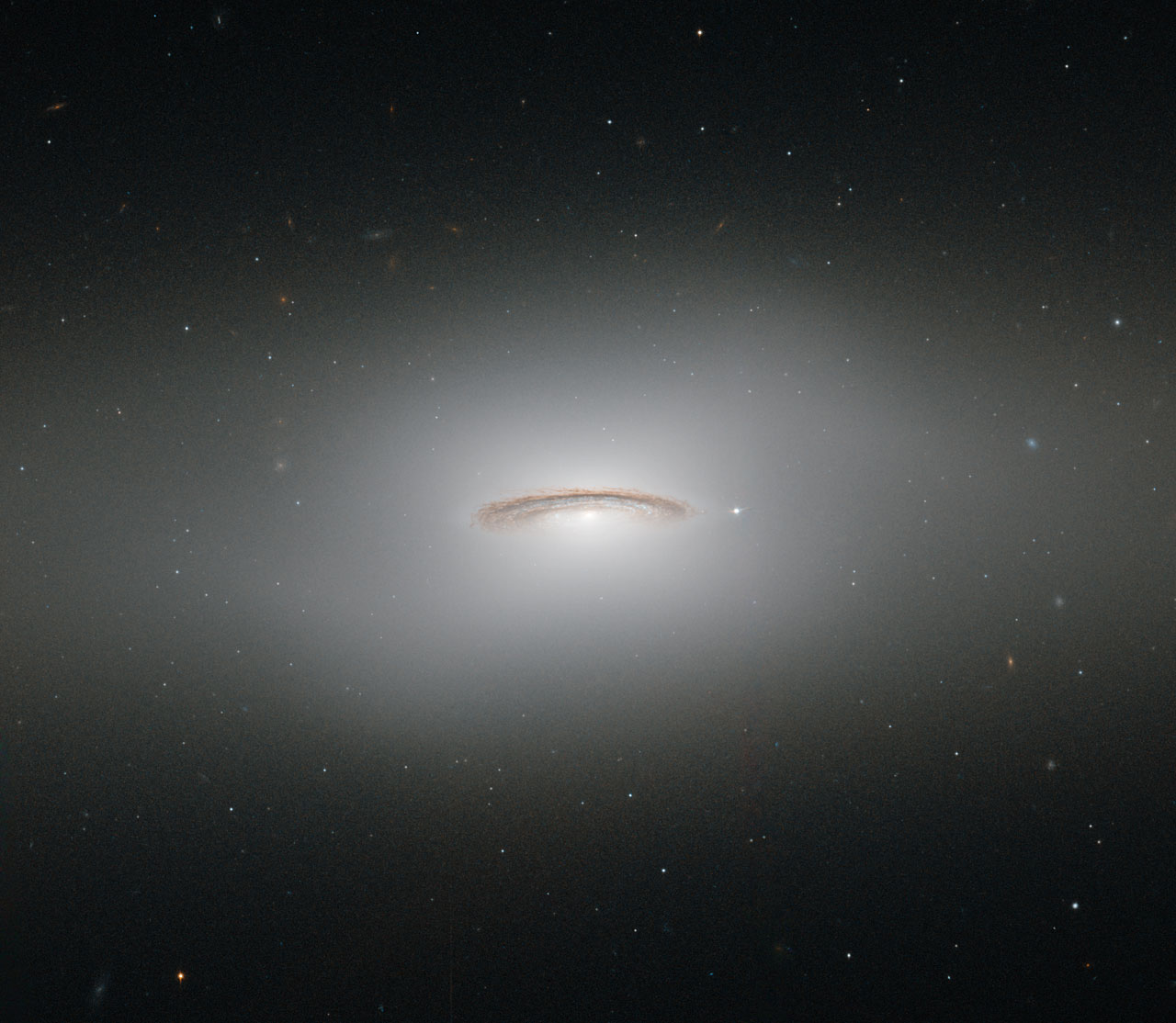 3d Eagle Wallpaper The Whirling Disc Of Ngc 4526 Esa Hubble