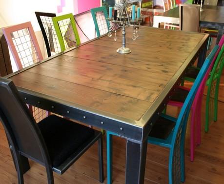 Table Salle A Manger Bois Et Bords Metal Table Salle A