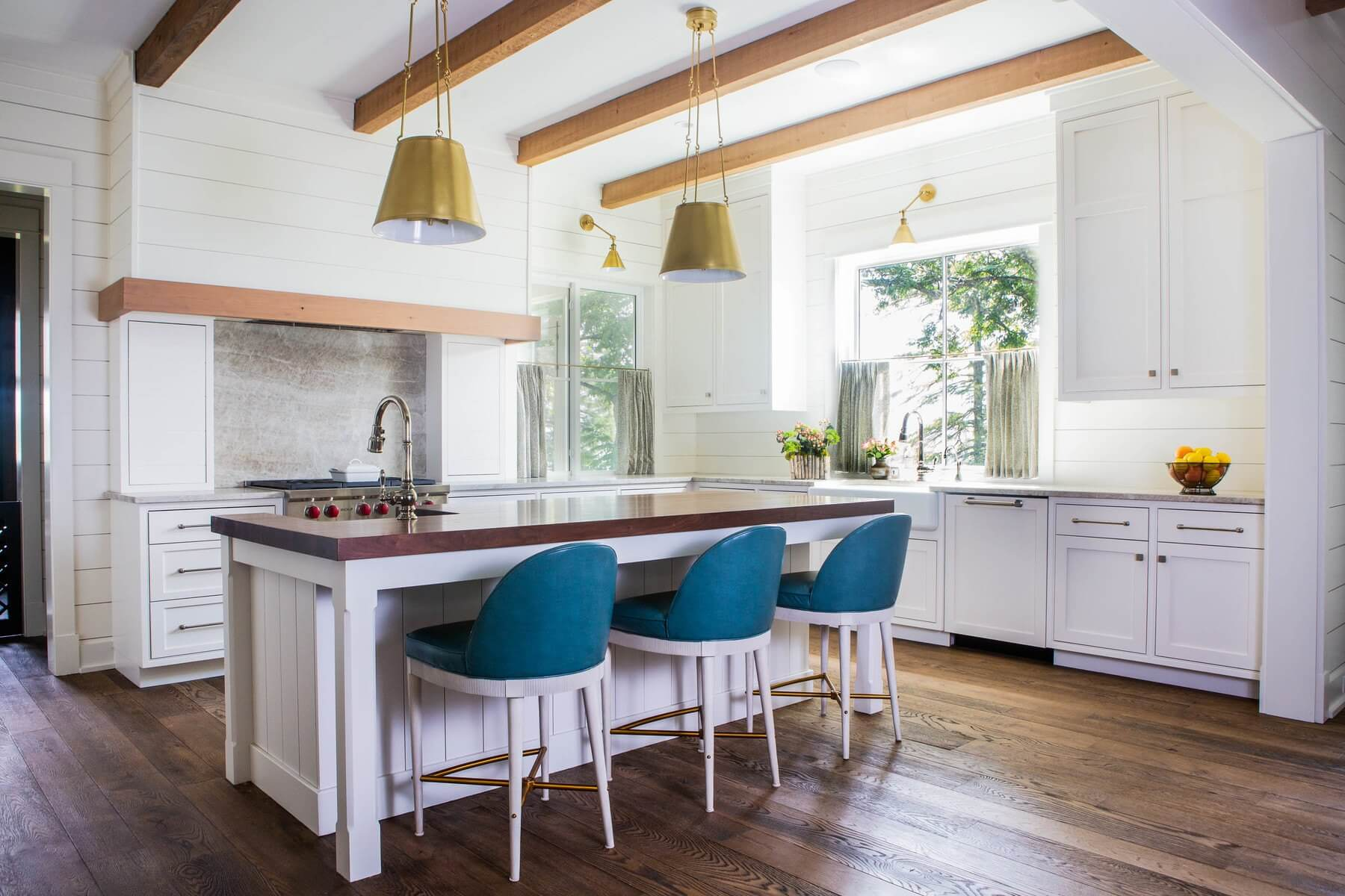 Images Of Modern Farmhouse Interiors A Modern Farmhouse In The Delta Chic Style And Classic